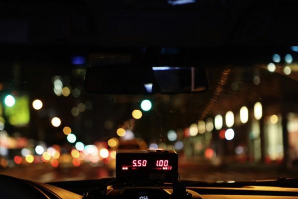 taxi-498437_1280